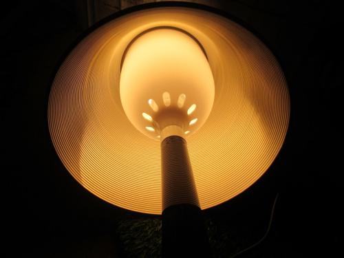 インテリア照明のテーブルライト