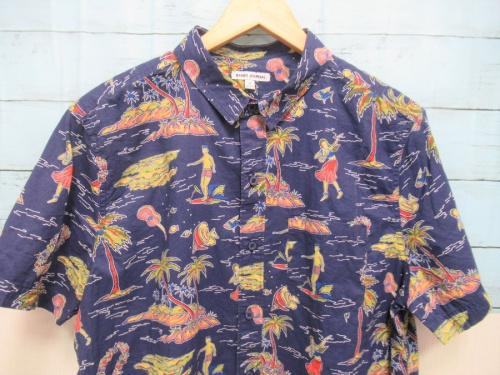 アロハシャツの総柄半袖シャツ