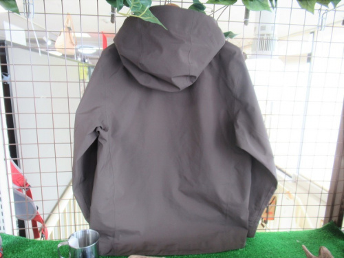 ジャケットのマウンテンパーカー