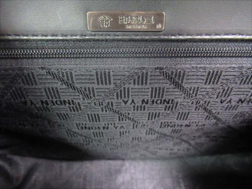 ハンドバッグの印傳屋