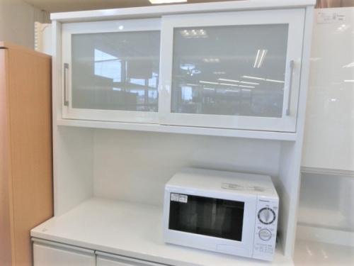 カップボード・食器棚の2枚扉カップボード
