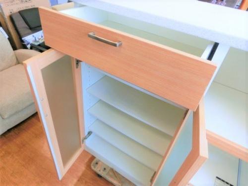 カップボード・食器棚のキッチンキャビネット