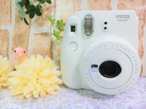 フィルムカメラのチェキ Instax mini8