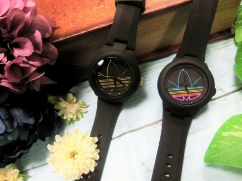 腕時計のクォーツ ラバー