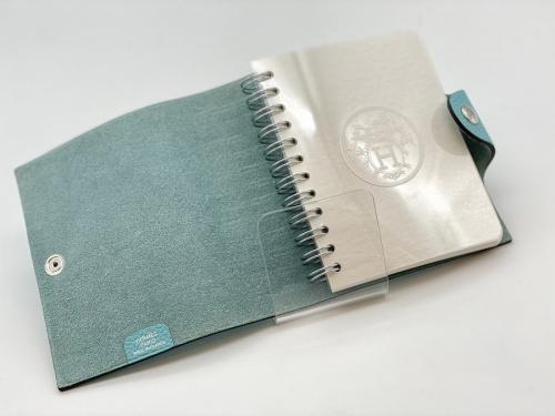 文房具のノートカバー