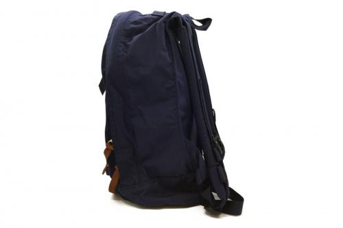 バッグのデイパック