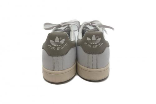 adidas アディダスのSTAN SMITH スタンスミス