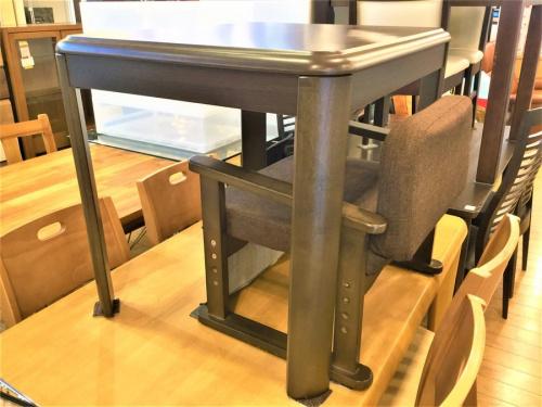 テーブルのコタツダイニングセット