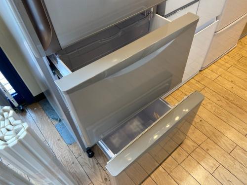 大型冷蔵庫のHITACHI 日立