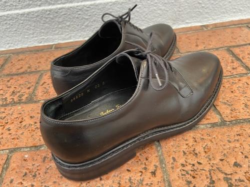 ジャランスリウァヤの靴 シューズ