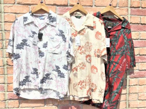 夏物のアロハシャツ