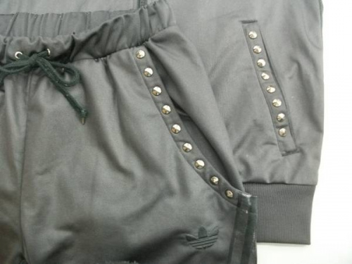 ジャケットのadidas originals