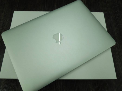 MacBook ProのMC975J/A