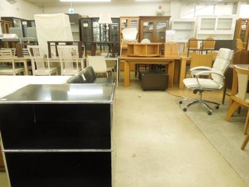 オフィス家具の収納家具