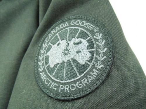 カナダグース(CANADA GOOSE)のダウンジャケット