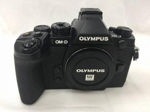 デジタルカメラのミラーレス一眼レフカメラ