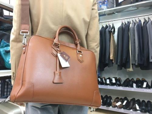 TAKEO KIKUCHIのブリーフバッグ