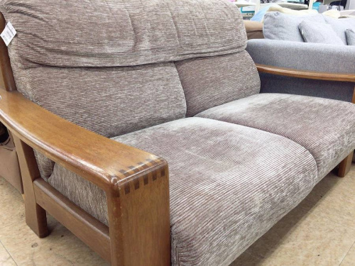 いちおし特選家具の2人掛けソファー
