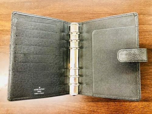 手帳ケースのルイヴィトン(LOUIS VUITTON)