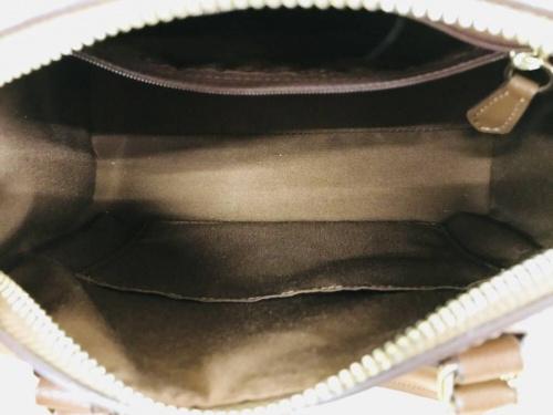 ハンドバッグのショルダーバッグ