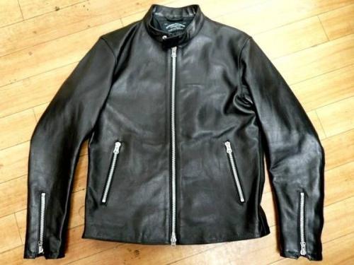 ジャケットのグリーンレーベル