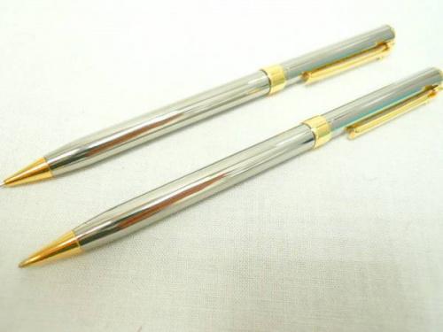 文房具のボールペン