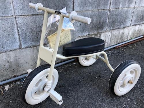乗用玩具の自転車