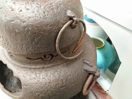 銅蓋菊摘茶釜の鬼面風炉付