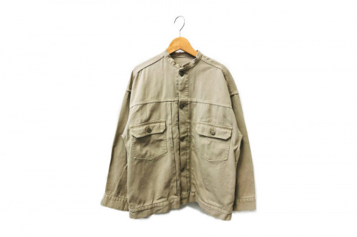 トップスのジャケット