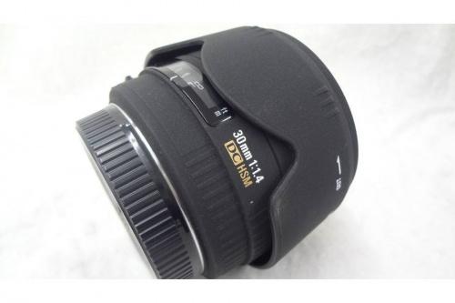 一眼レンズのデジタルカメラ