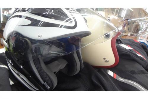 ヘルメットのバイク