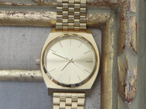 ニクソン(NIXON)の時計