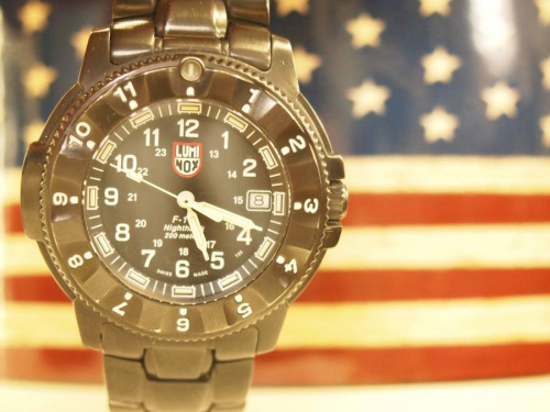 腕時計のナイトホーク