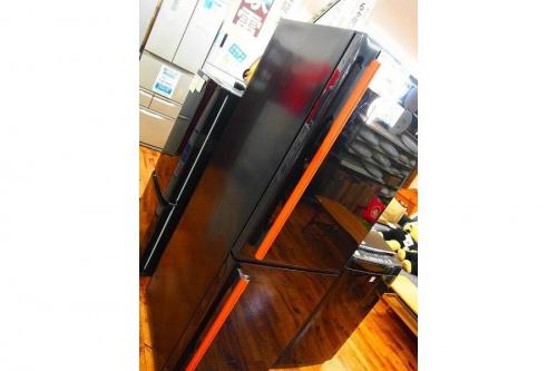 冷蔵庫・洗濯機の黒色インテリア