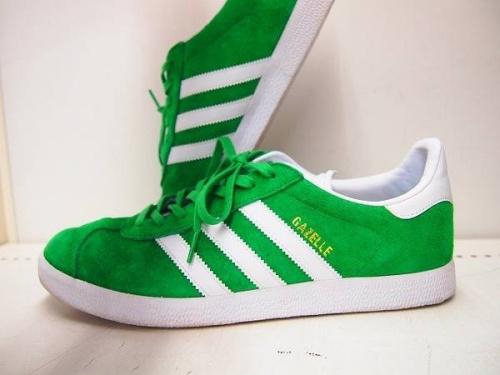 アディダスのアディダス(adidas)
