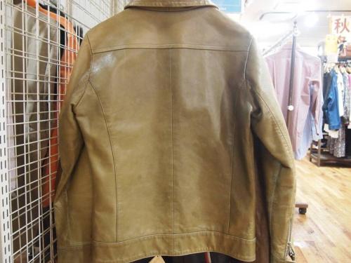 ジャケットのレザー