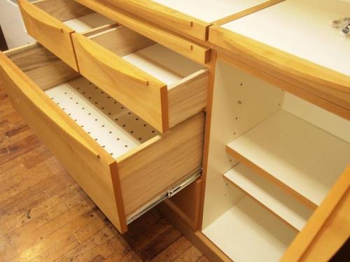 3枚扉カップボードの広松木工