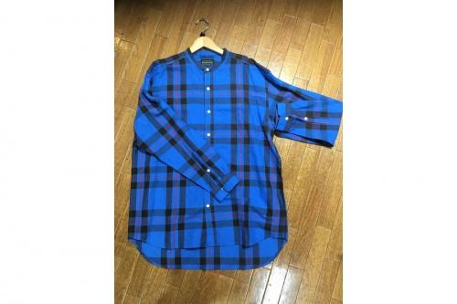 アウターのシャツ