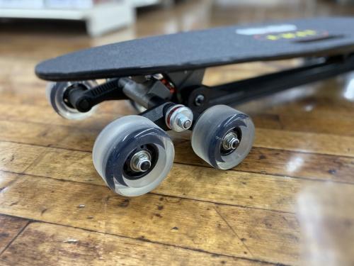 8輪スケートボードの8ホイール
