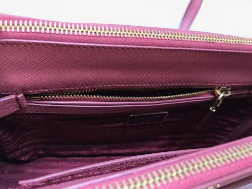 PRADA プラダのハンドバッグ