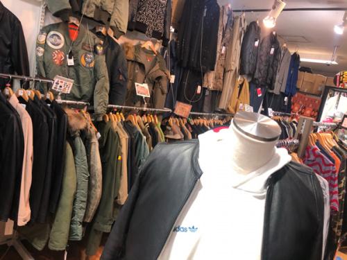 ジャケットのUNITED TOKYO