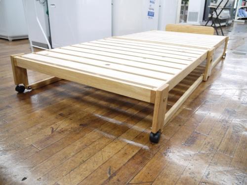 家具の折りたたみベッド
