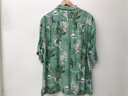chah chahのアロハシャツ