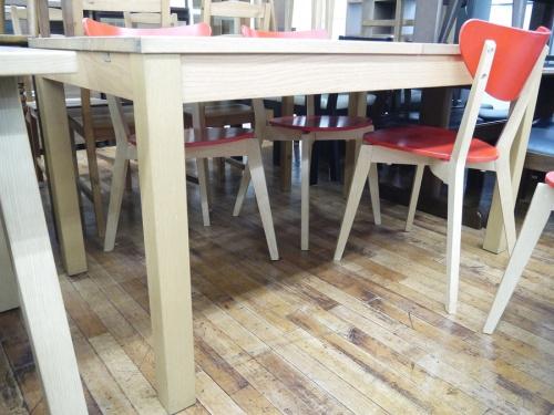 テーブルのエクステンションダイニング5点セット