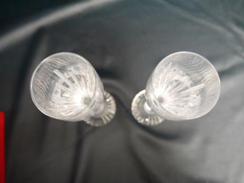 ガラスのシャンパングラス