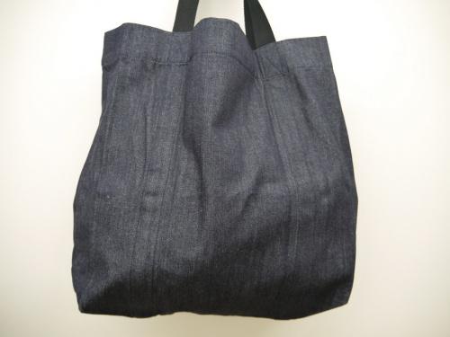 バッグのロゴトートバッグ