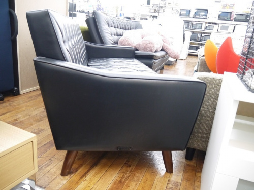 カリモク60の入間店中古家具