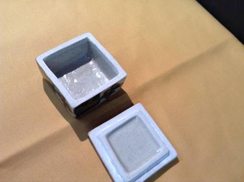 浜田庄司の柿釉盒子