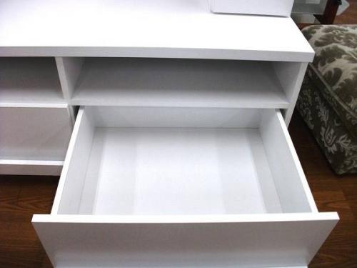 ホワイトの家具