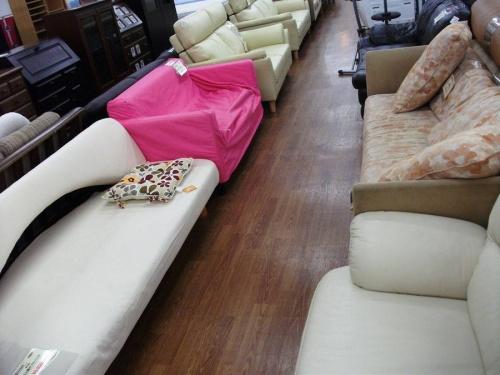 ブラウンのソファベッド